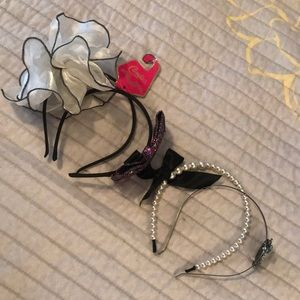 Accessories - 4 headbands!